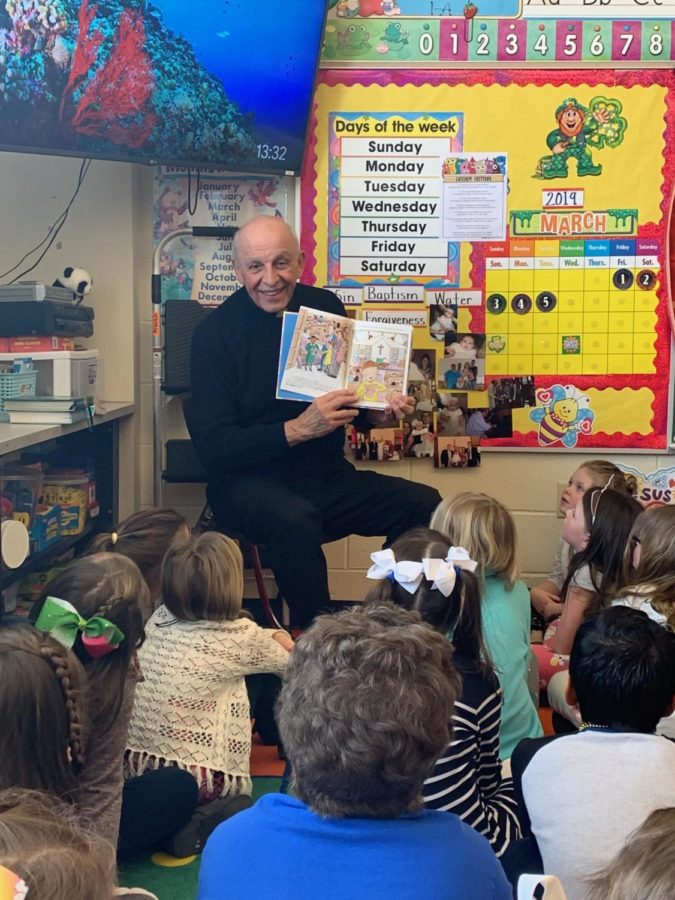 DCC First Grade Learns About the Mass