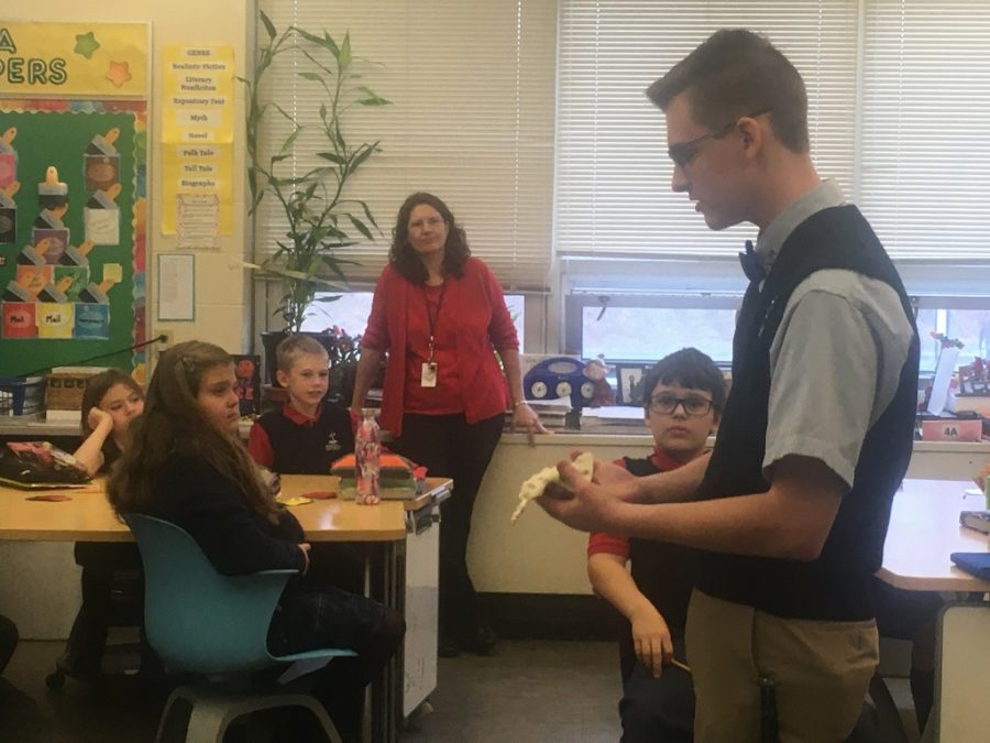 Anatomy & Physiology Students Teach 5th Grade about the Skeleton