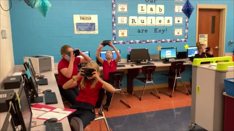 DCC 5th Grade Journeys to the Milky Way with Virtual Reality Technology